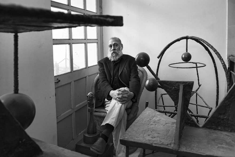 Himmat Shah in his studio. Photo by Rohit Chawla. Courtesy of Open Magazine