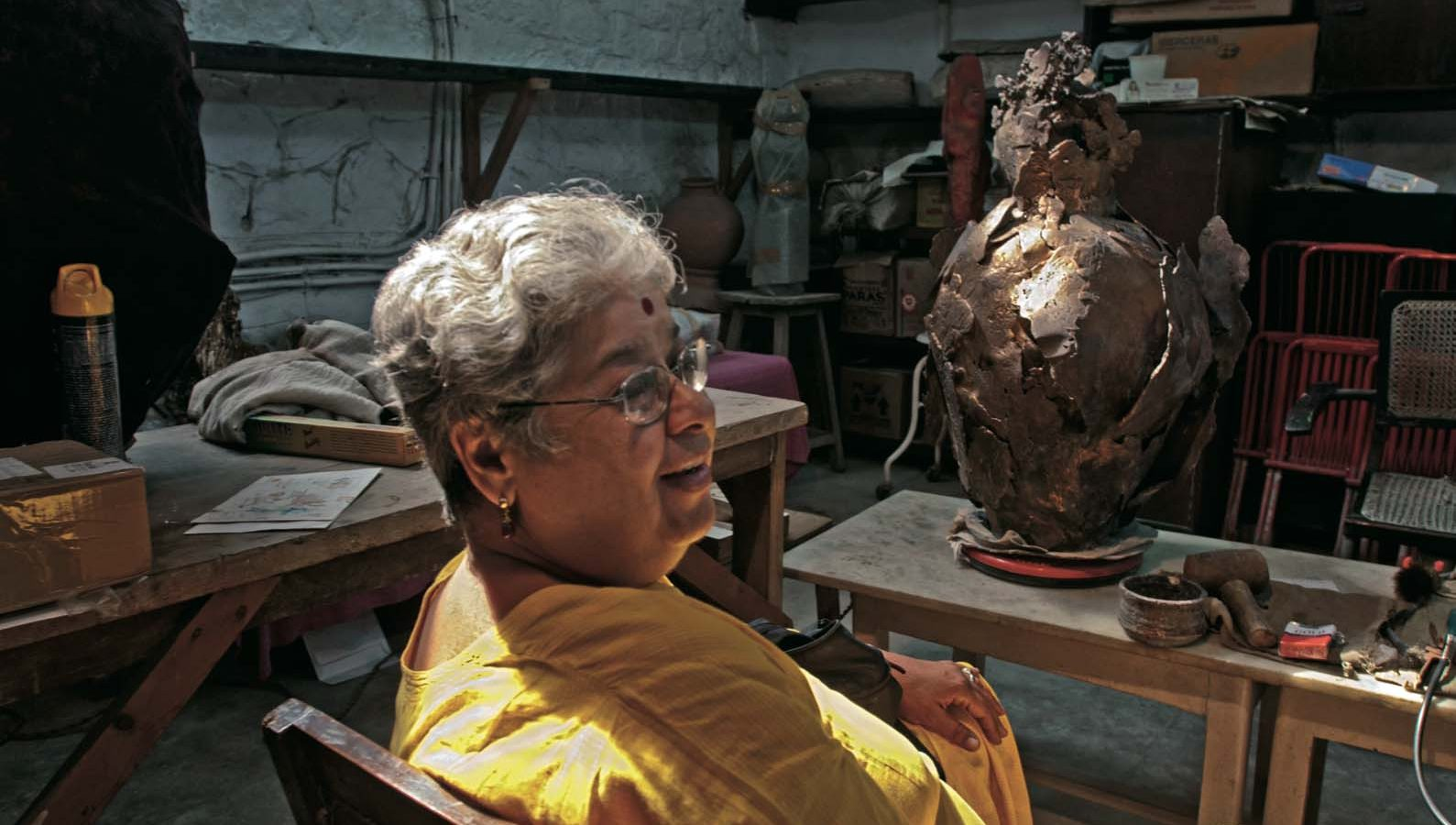 Mrinalini Mukherjee. The artist in her studio, 2015. Courtesy of Pablo Bartholomew